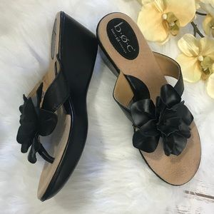 B.O.C. Wedge Sandals Black Flower